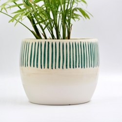 Ghiveci ceramică mască - Alb linii, 18 x 15 cm