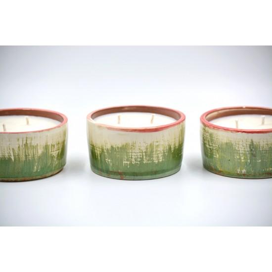 Lumânare parfumată cu suport ceramică -  Green pine (Pin, verde crud , fructe de padure), 33 h